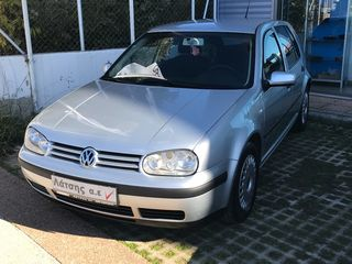Volkswagen Golf 1.6 FSI CHAMP
