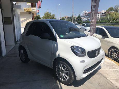 Smart ForTwo Navi/Panorama/Automatic '15 - € 11.900 EUR