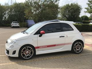 Abarth 500 Essesse Akrapovic Book Service