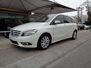 Mercedes-Benz B 200 1.6  BLUEEFFICIENCY AUTO ΔΕΡΜΑ