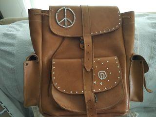 109c346a5b Pull up Δερμάτινη τσάντα πλάτης με 3 τσέπες   με διακόσμηση. Size  LARGE Σε