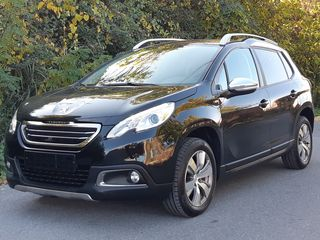 Peugeot 2008 1.2 STYLE 110PS-PANORAMA-NAVI