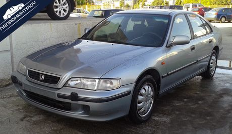 Honda Accord 2.0i ES 4d '97 - € 3.000 EUR